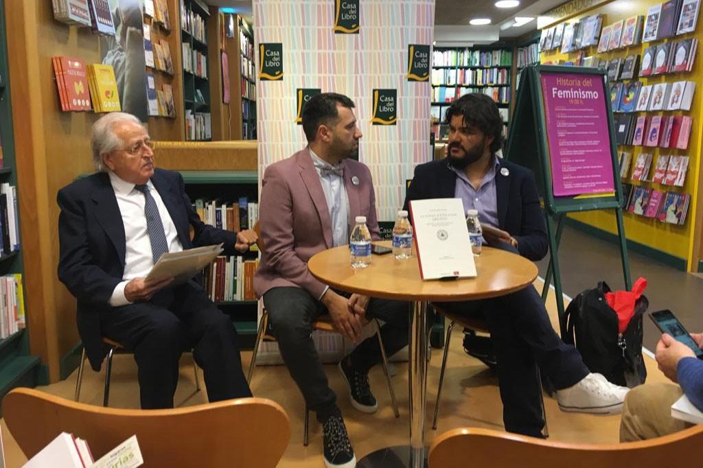 José Antonio Ferrer Benimeli, Yván Pozuelo y Miguel Guzmán-Stein en la presentación del libro.